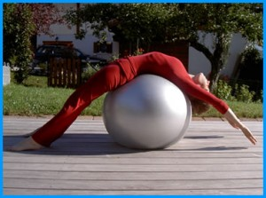 yogamrita_extension_psoas_ballon
